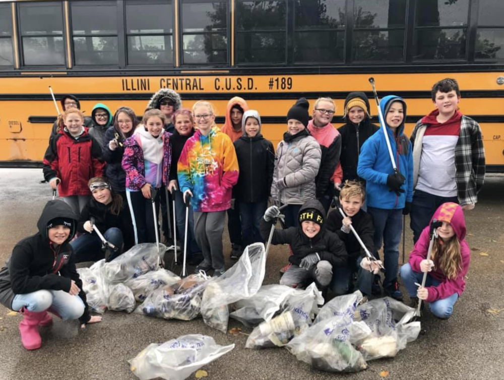 ICGS Student Council Helps with River Clean-Up